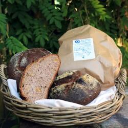 Pane integrale  con Miele e Noci